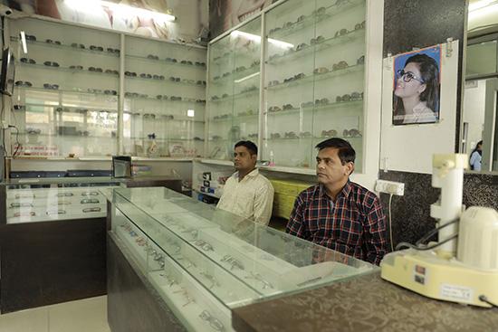 Bhavya-Optical_Dr.-Praveen