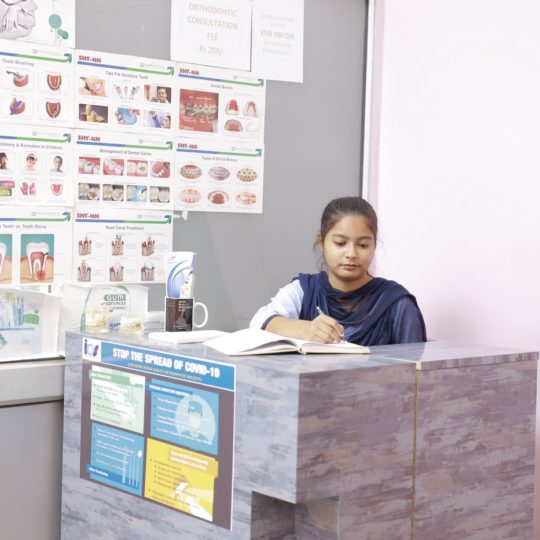 DENTAL RECEPTION_Praveen Eye Hospital