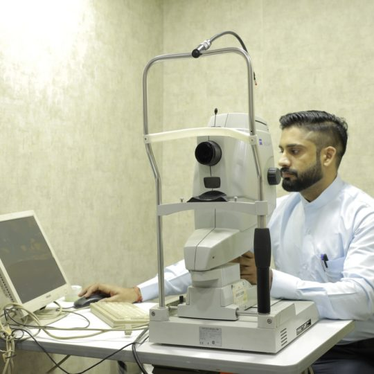 fluorescein angiography_Praveen Eye Hospital